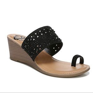 Fergalicious Cindy Wedge Sandal in Black size 7